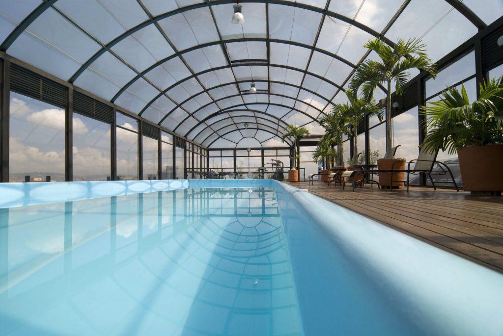 Las piscinas privadas con cubierta son tendencia en la actualidad
