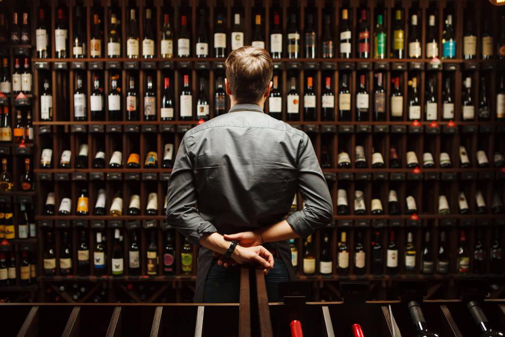 Los 7 vinos que no pueden faltar en tu bodega en casa